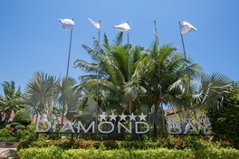 Diamond Bay gate