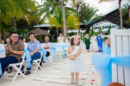 Đám cưới trên biển - 4