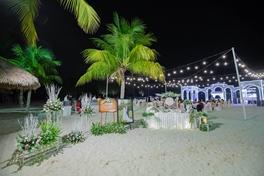 Đám cưới trên bãi biển - 18