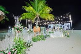 Đám cưới trên bãi biển - 19