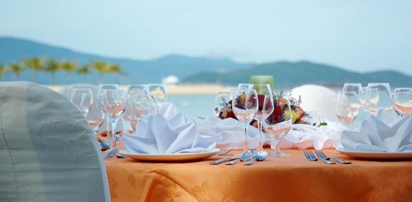 Nhà hàng Vista Diamond Bay Resort & Spa